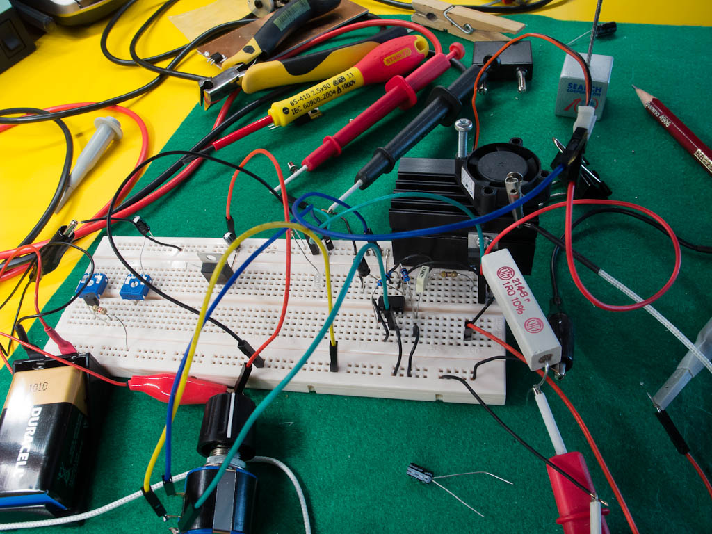 Dummy Load Prototype – breadboard closeup, view from above;